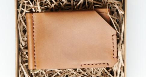 メルカリで財布が売れたら。発送方法と、迷ったときに使えるサービスもご紹介!